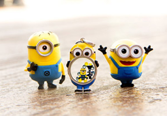 How to Have a Despicable Me Collection Facebook Jewelry Bar